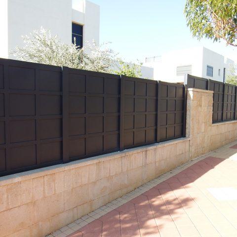 גדרות-גדר אלומיניום דגם אטום